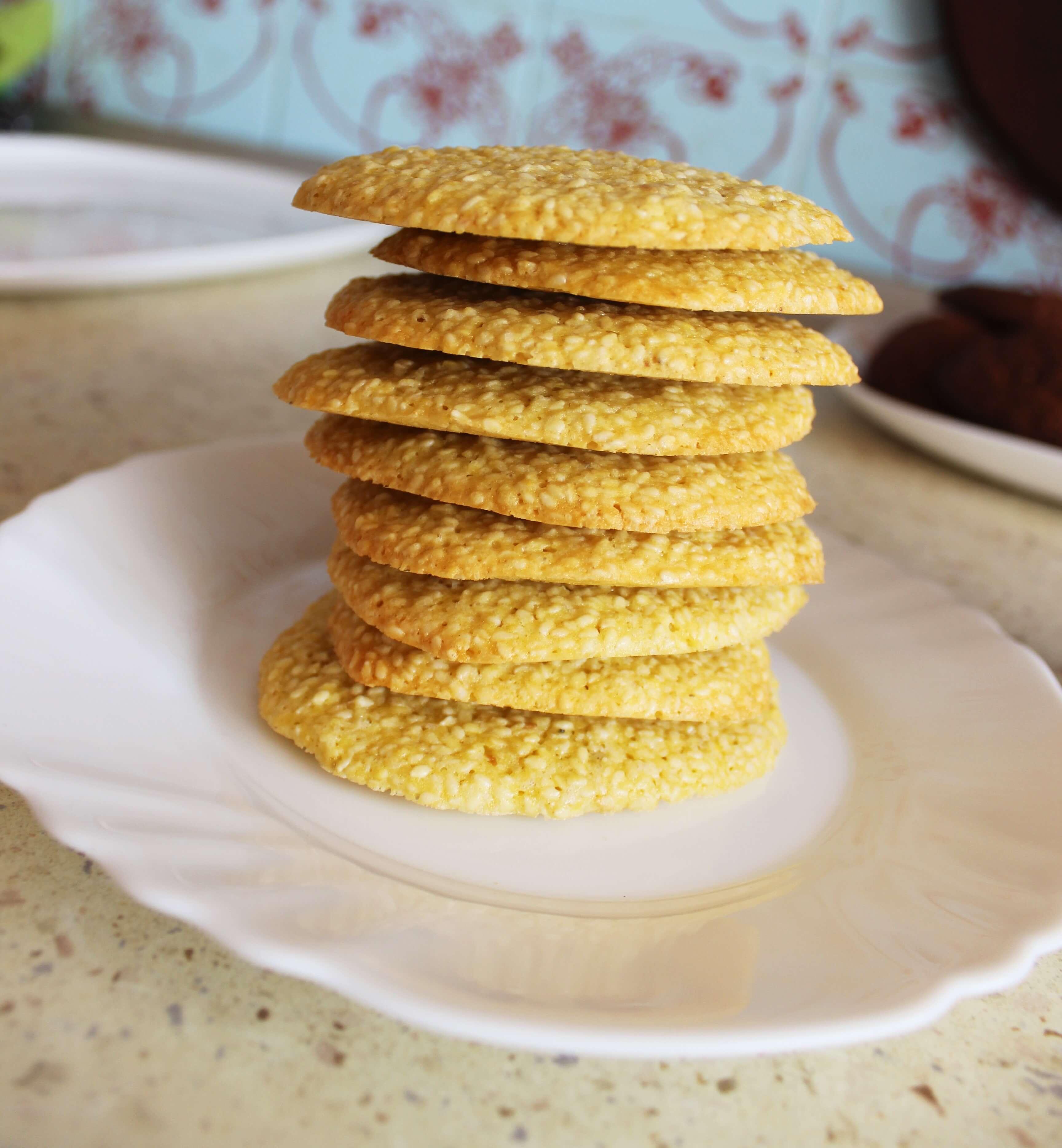Sausainiai su sezamo sėklomis