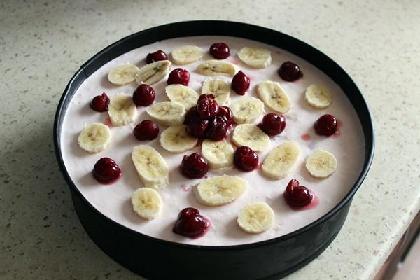 Jogurtinis tortas su uogomis