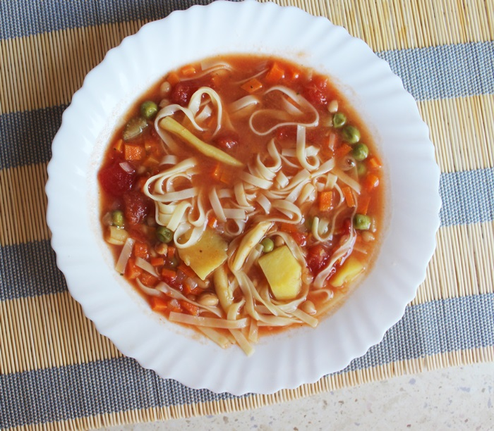 Daržovių ir makaronų sriuba