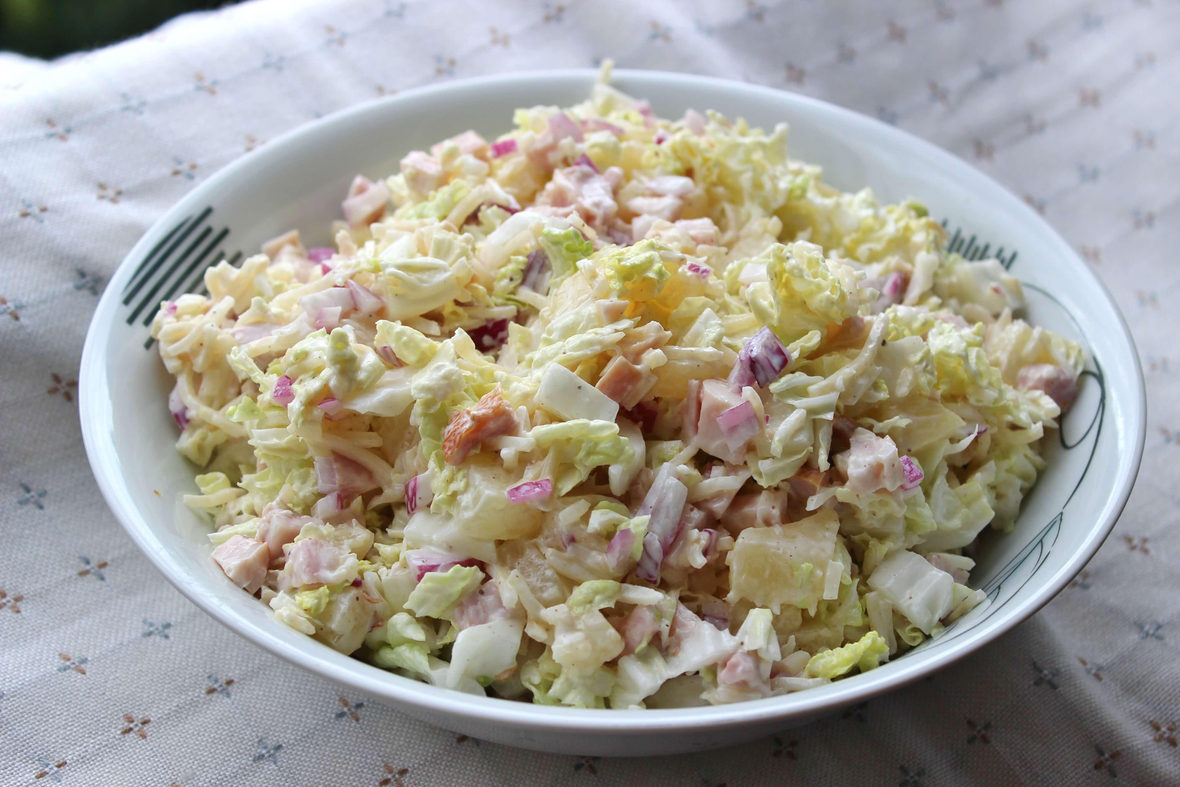 Vištienos salotos su salierais