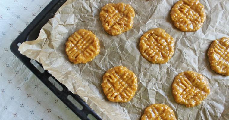 Žemės riešutų sviesto sausainiai. Tik trys ingredientai